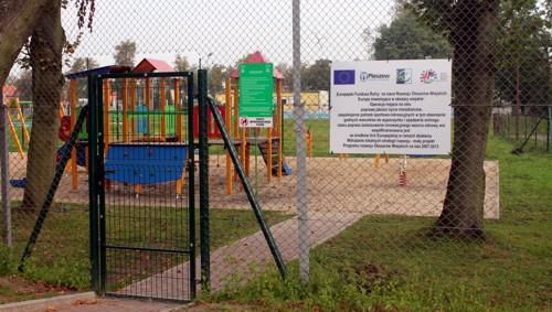Urządzenie placu zabaw przy ul. Sportowej w Pleszewie